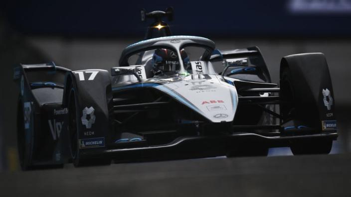 Wederom dramatisch einde E-Prix Rome: De Vries valt in de slotfase uit, Vandoorne wint