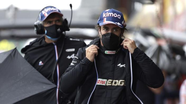 Alonso haalt uit: 'Mensen hebben punten cadeau gekregen doordat we niet hebben geracet'