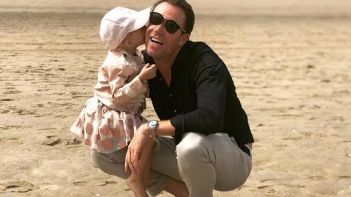 2-jarige dochter Doornbos geholpen aan tumor, ontslagen uit ziekenhuis