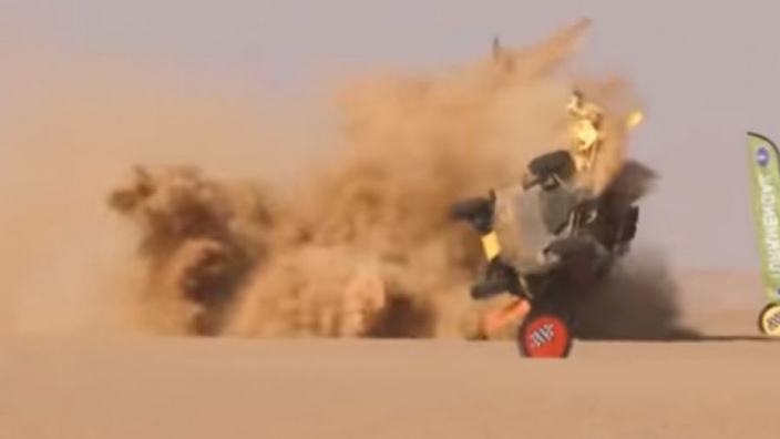 VIDEO: WOW!! Enorme crash in de Africa Eco Race!