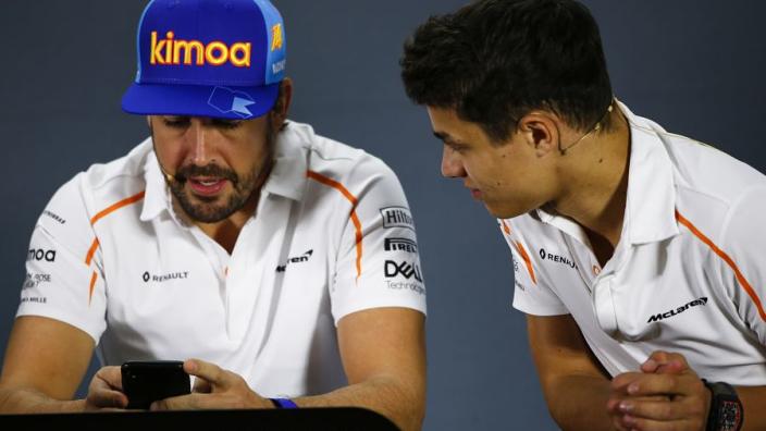 """Ocon niet bang dat Renault Alonso voortrekt: """"Denk ik nog niet over na"""""""