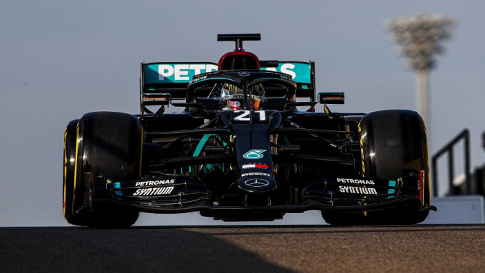"""2020 Mercedes """"from a different planet"""" - De Vries"""