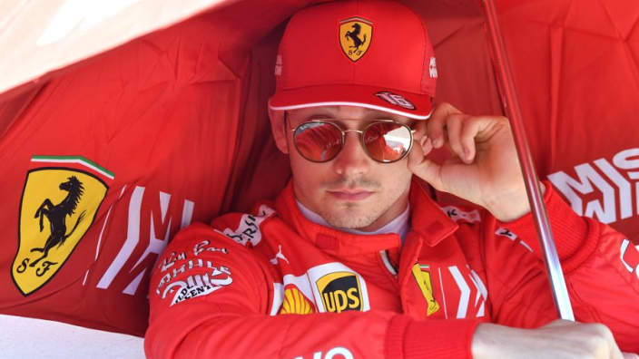 Leclerc beboet voor te hoge snelheid in pitstraat