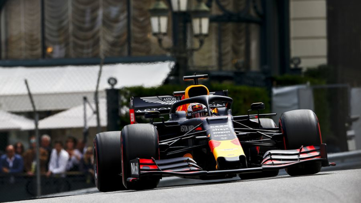Dr. Marko: 'Ricciardo heeft Verstappen tweede startplek gekost'