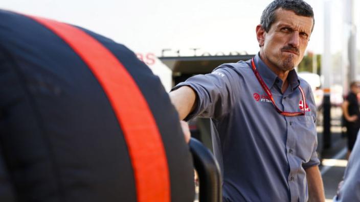 """Steiner haalt uit naar Renault: """"Ze zijn een beetje wanhopig"""""""