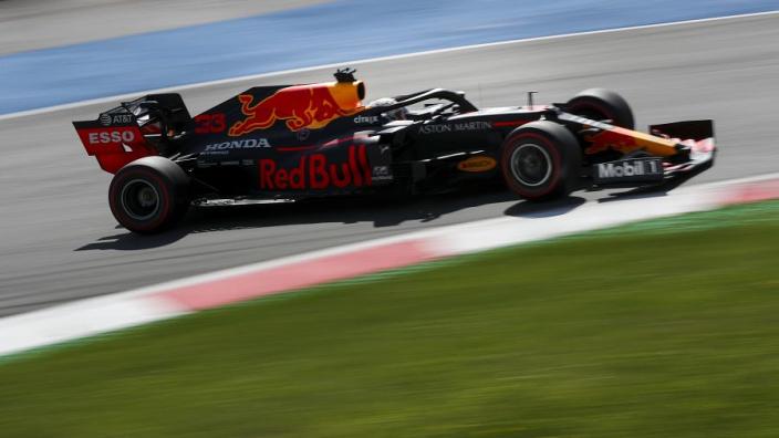 Zo reageert het internet op het drama voor Red Bull Racing