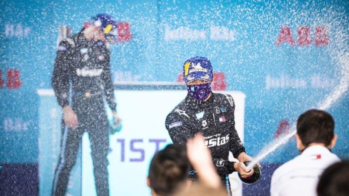 """Wolff: """"De Vries en Vandoorne verdienen het om in de Formule 1 te rijden"""""""