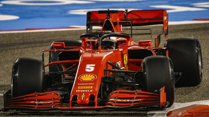 """Vettel foetert op teamgenoot: """"Ik had beter kunnen crashen"""""""