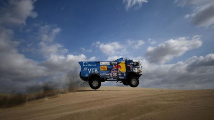 VIDEO: Dakar racer disqualified after hitting spectator with truck