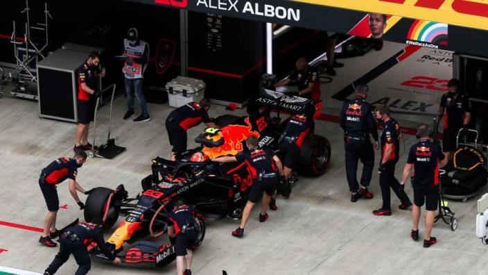 Albon en Latifi ontvangen gridstraf voor Grand Prix van Rusland
