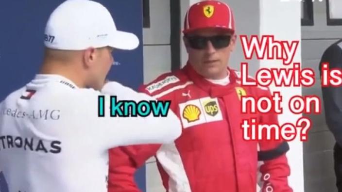 VIDEO: HAHA! Bottas en Räikkönen wachten op Hamilton