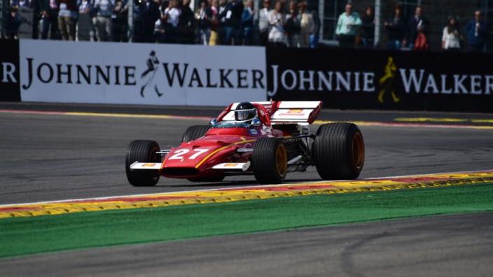 Hamilton uitgenodigd om ritje te maken in bijzondere F1-bolide Ferrari