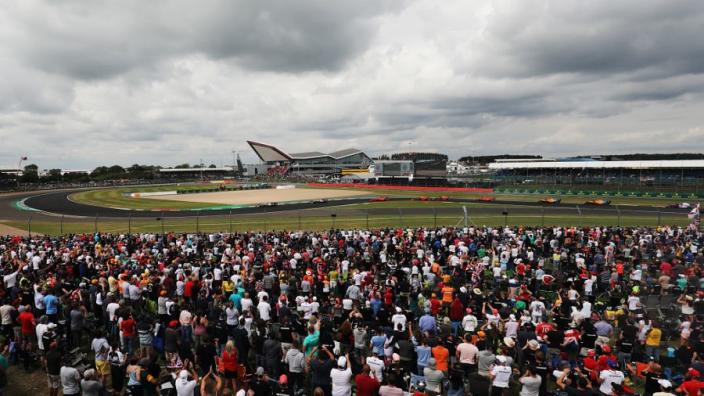 Formule 1 hoeft niet in quarantaine bij aankomst in Groot-Brittannië