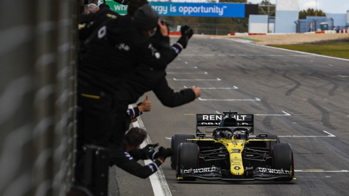 Fernando Alonso wilde Daniel Ricciardo niet te vroeg feliciteren met zijn podium