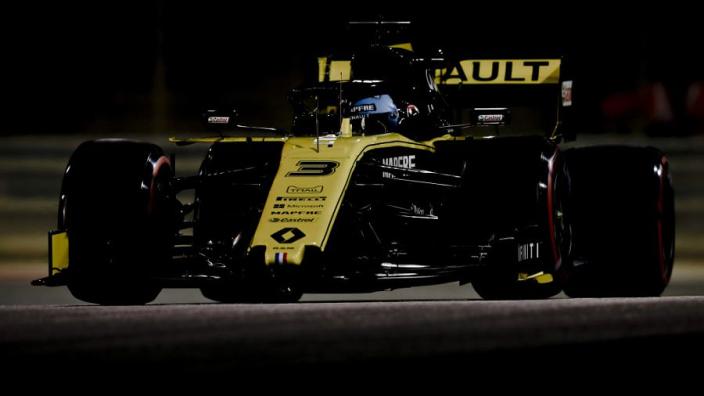 Ricciardo niet tevreden: 'Het gaat moeizaam, zit er heel ver achter'