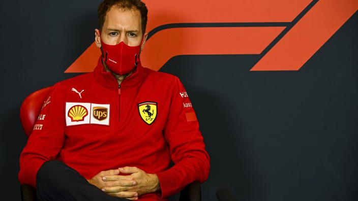 Vettel heeft oplossing voor 'beschamende' safety car-situatie: 'Software voor ontwikkelen'