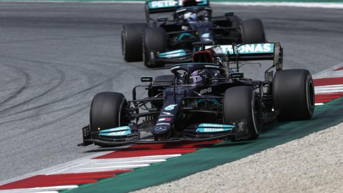 """Palmer kritisch op teamorder Mercedes in Oostenrijk: """"Een vreemde beslissing"""""""