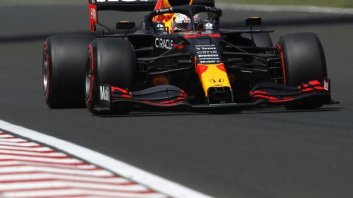 Derde vrije training Hongarije: Verstappen en Hamilton dicht bij elkaar
