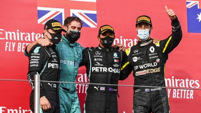 """Hamilton verrast door afwezigheid Wolff: """"Dacht dat hij daarom vooraan stond"""""""