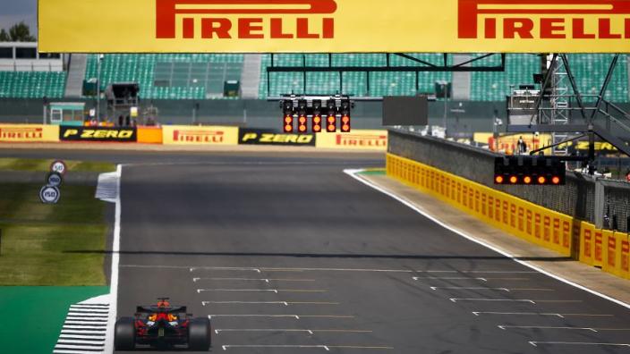 Verstappen en Pérez blikken vooruit op eerste sprintrace: 'Iets minder training is leuk'