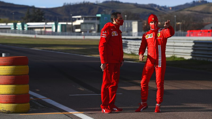 """Binotto heeft Leclerc en Sainz gewaarschuwd: """"Niemand staat boven het team"""""""