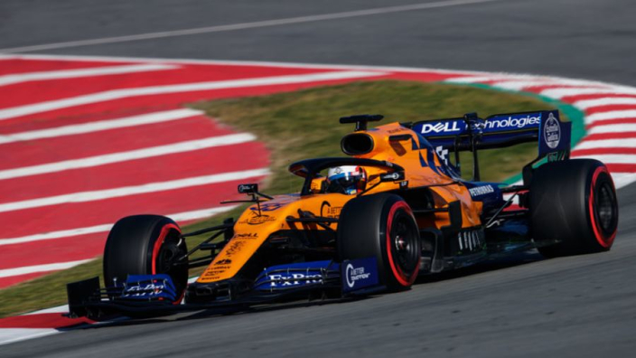 Sainz laat zich niet van de wijs brengen: 'Red Bull en Ferrari veel sneller'