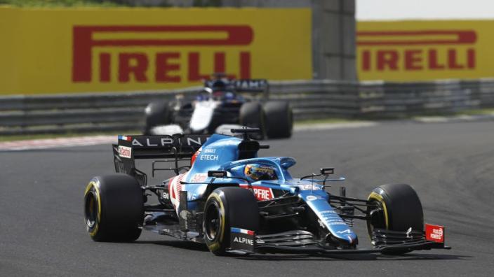 """Alonso over duel met Hamilton: """"Het was ook belangrijk voor Verstappen"""""""