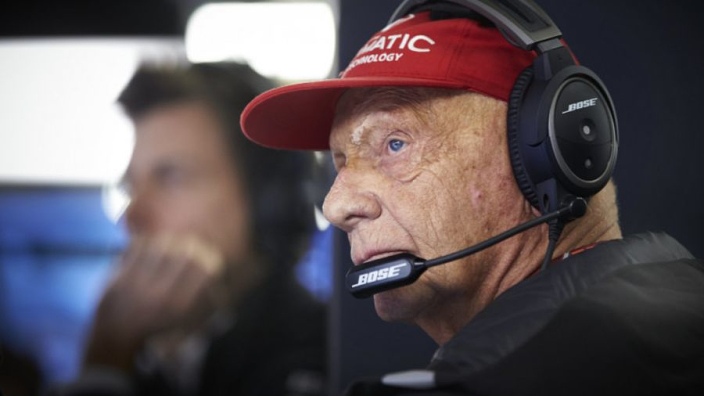 Arts Niki Lauda: 'Hij doet alles goed, maar sommige risico's onvermijdelijk'