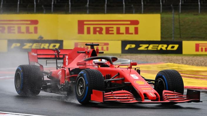 Tweede vrije training Hongarije: Vettel snelste in de regen