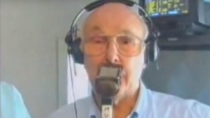 VIDEO: Throwback: Murray Walker neemt afscheid van de Formule 1