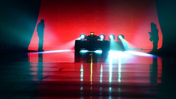 Mercedes plaagt opnieuw met verwarrende teaserfoto