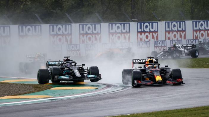 """Verstappen verrast door goede start in Imola: """"Dat was de sleutel"""""""