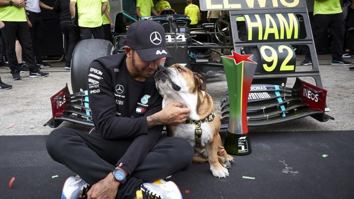 Aanstaand salarislimiet coureurs voert de druk op bij Lewis Hamilton