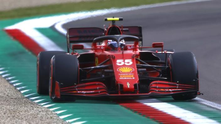 Sainz hekelt kunstmatige track limits: 'FIA weet al hoe ik erover denk'