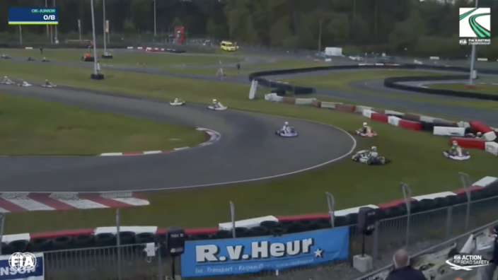 Bizarre crash tijdens kartrace Genk: gehele top tien eindigt in de bandenstapel
