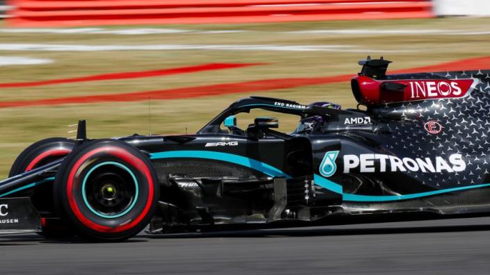 Derde vrije training Groot-Brittannië: Mercedes domineert, Verstappen pech