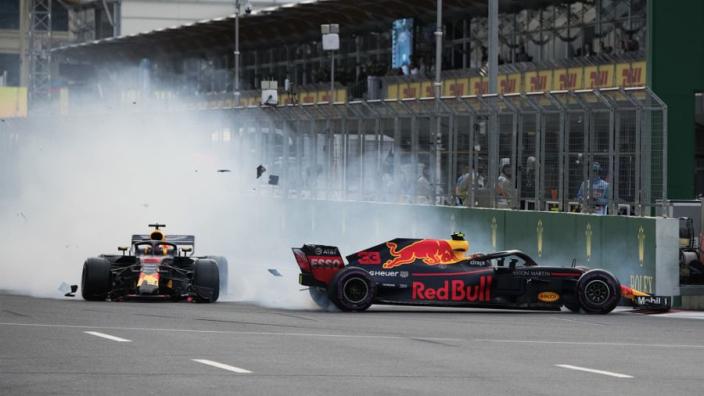 """Ricciardo over crash met Verstappen in Baku: """"Was interessant"""""""