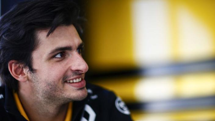 Sainz: 'Ik blijf graag bij Renault'