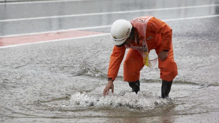 Weerbericht Oostenrijk: enorme regenval en onweer tijdens kwalificatie