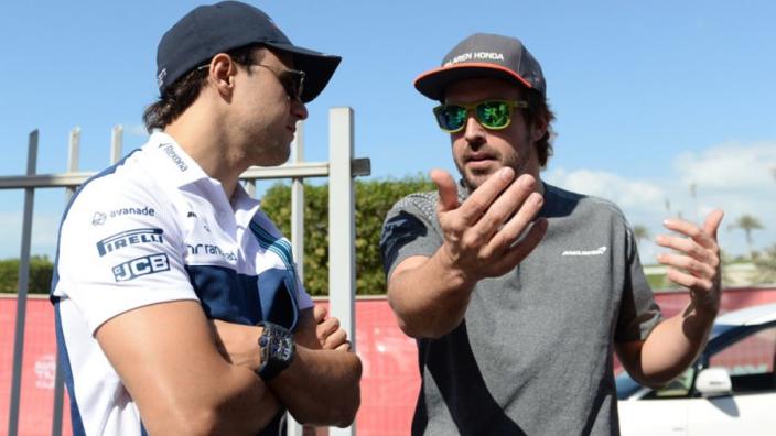 "Massa snapt uitleg Red Bull: ""Alonso split team in tweeën"""