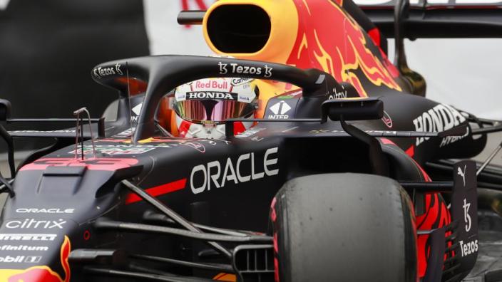 """Verstappen op P2 door crash Leclerc: """"Rode vlag verpeste onze strategie"""""""