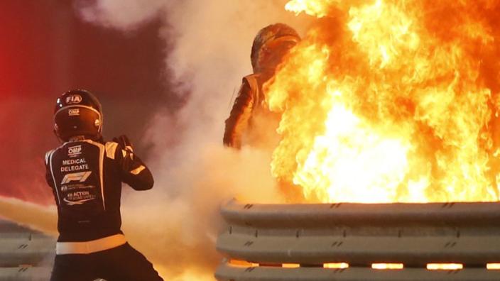 FOTO'S: De angstaanjagende crash van Romain Grosjean in beeld