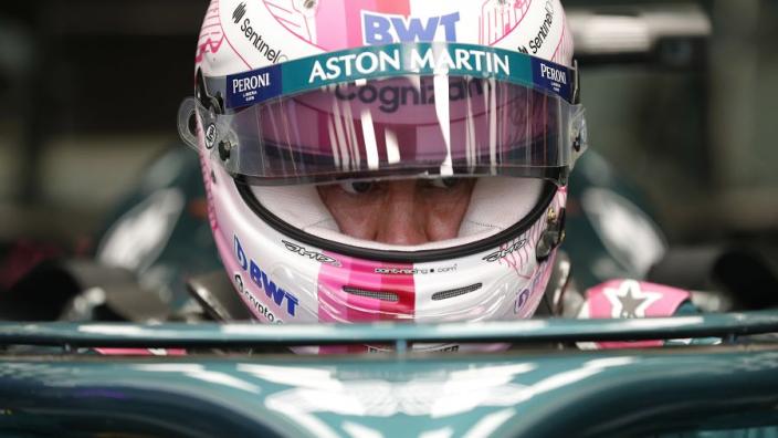"""Vettel worstelt ook bij Aston Martin: """"Lang geleden dat hij iets goeds heeft gedaan"""""""