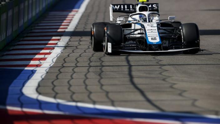 """FIA doet uitspraak over incident Latifi en Verstappen: """"No further action"""""""