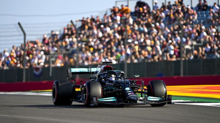 Hamilton lights up Silverstone as F1 runs Friday qualifying for first time in 18 years