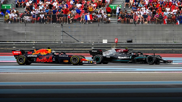 Verstappen dankt overwinning aan Pérez, Red Bull overweegt protest Mercedes | Week-end