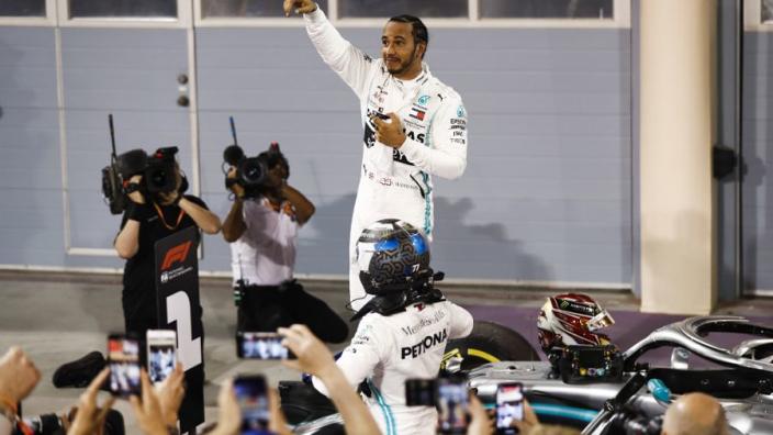 Course - Hamilton et Mercedes profitent du désastre Ferrari