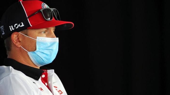 """Raikkonen na crash Giovinazzi: """"Hij had me er verdomme langs moeten laten"""""""