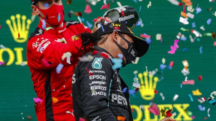 Zo reageert de wereld op de zevende wereldtitel voor Lewis Hamilton
