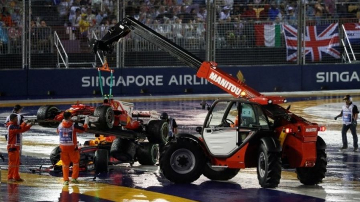 """Crash Verstappen in Singapore: """"Er zat één gefrustreerde kikker bij"""""""